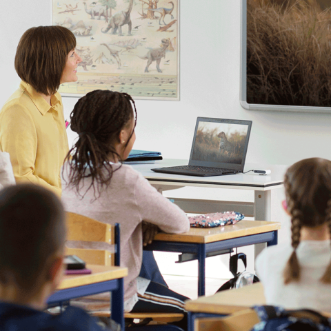 Free webinar: connecting Oticon equipment to devices in the classroom and home